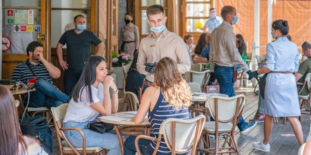 Ресторанам «Чайхона №1» и «Бараshka» в ЦАО грозит закрытие за нарушение антиковидных мер